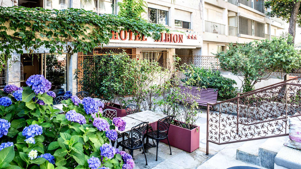 Adonis Ajaccio Hôtel Albion - EDIT_TERRASSE_01.jpg