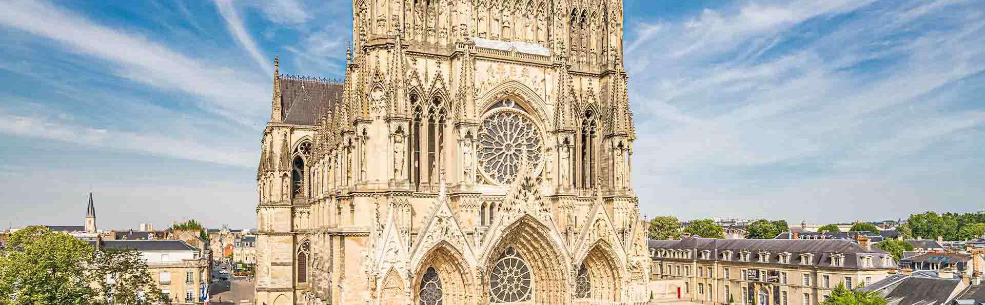 Séjour unique face à la cathédrale de Reims en hôtel 5*