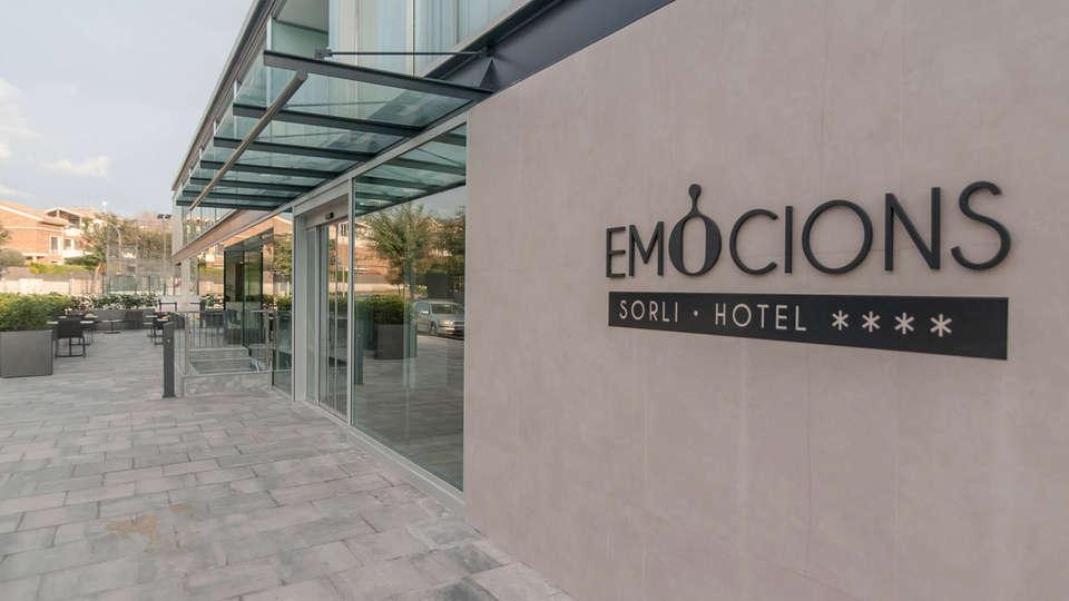 Hotel Sorli Emocions - EDIT_Entrada_general_01.jpg