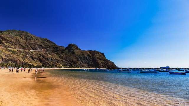 Apartamentos coquetos en primera linea de playa en Arona, ¡descubre Tenerife!