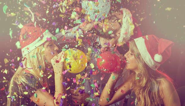 Escapada Nochevieja con Cena de Gala con Fiesta, Baile, Barra Libre y Brunch de Año Nuevo