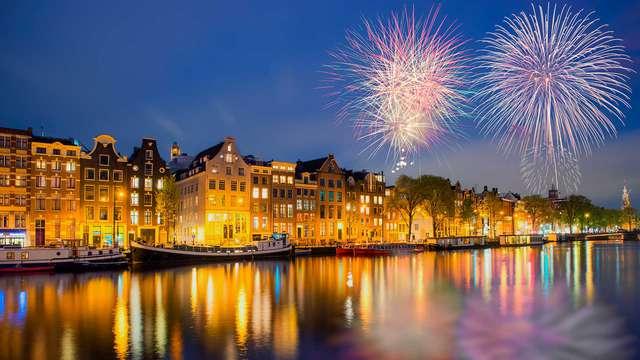 Célébrez le Nouvel An à Amsterdam avec du champagne et des beignets !
