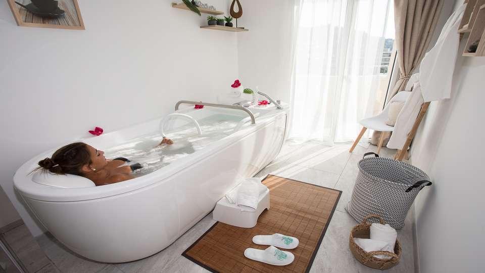 Cristal Hôtel & SPA - Balneotherapie.jpg