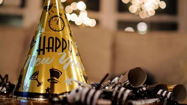 ¡Feliz año nuevo en Oliva en apartamento con cena de gala y fiesta incluida!