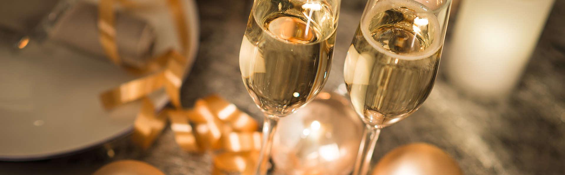 Vivez un réveillon de Noël gourmand avec une séance privée de jaccuzi à Saint-Nectaire