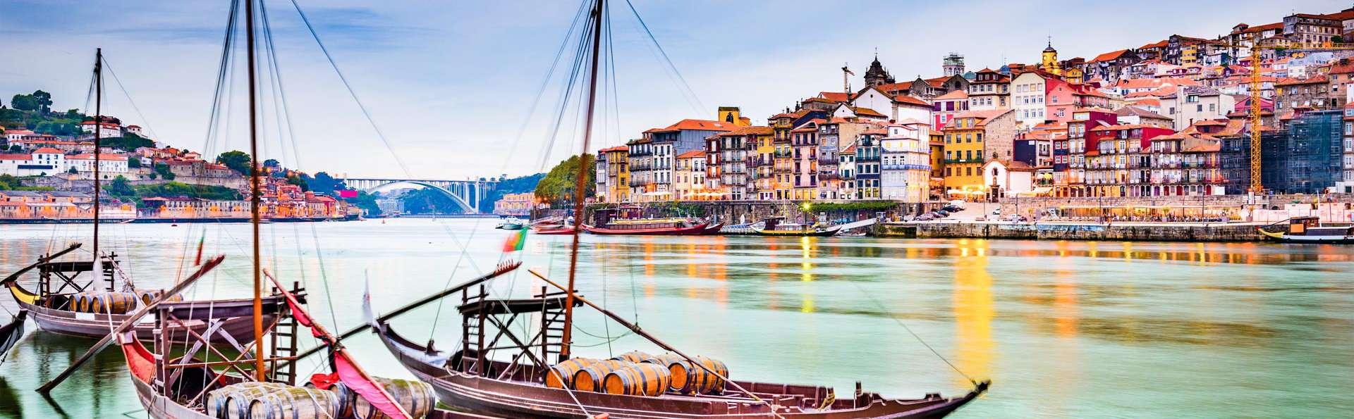 Escapada en la preciosa ciudad de Oporto con un crucero por las aguas del Duero