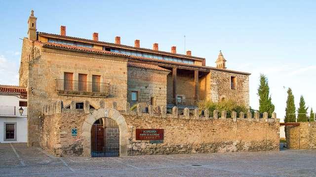 Escapada en un exclusivo palacio extremeño con visita a una quesería y degustación de quesos y vino