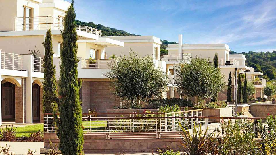 Resort Baia Scarlino - EDIT_FRONT_01.jpg
