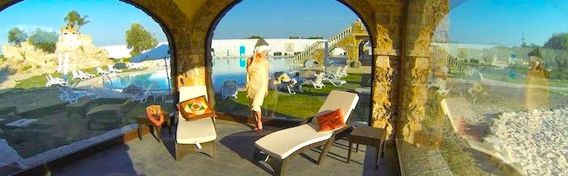 Ambiance romantique à Cellino San Marco : deux nuits en demi-pension, avec SPA inclus