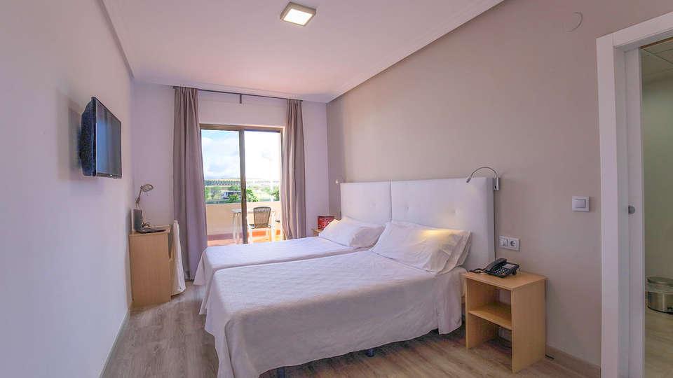 Hotel Castilla Torrijos - EDIT_HAB._DOBLE_SUPERIOR_CON_TERRAZA_01.jpg