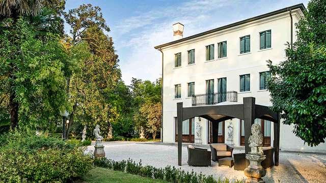 A un paso de Treviso en un hotel de 4 * en una antigua villa
