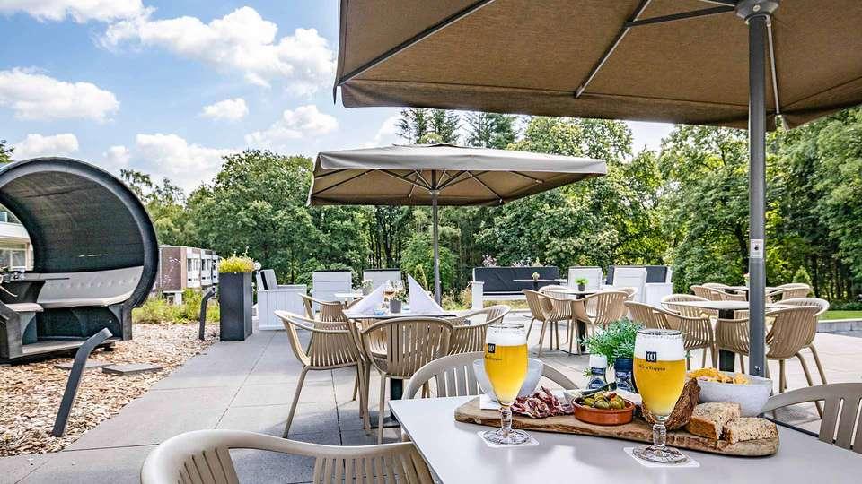Fletcher Hotel Restaurant Amersfoort - EDIT_Amersfoort-Exterieur-Terras-Borrelplank_01_-_copia.jpg