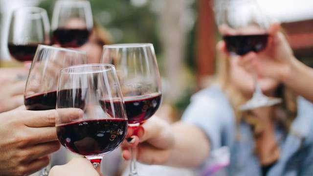 Cena e degustazione di vino nella bellissima Arezzo (da 2 notti)