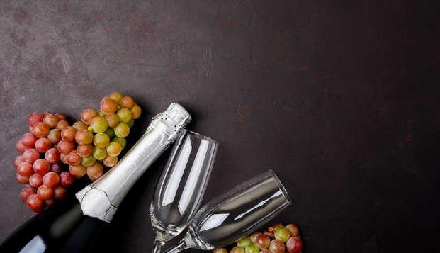 Celebra el Fin de Año en privado en una cabaña con cava, fruta, uvas de la suerte y pastelitos