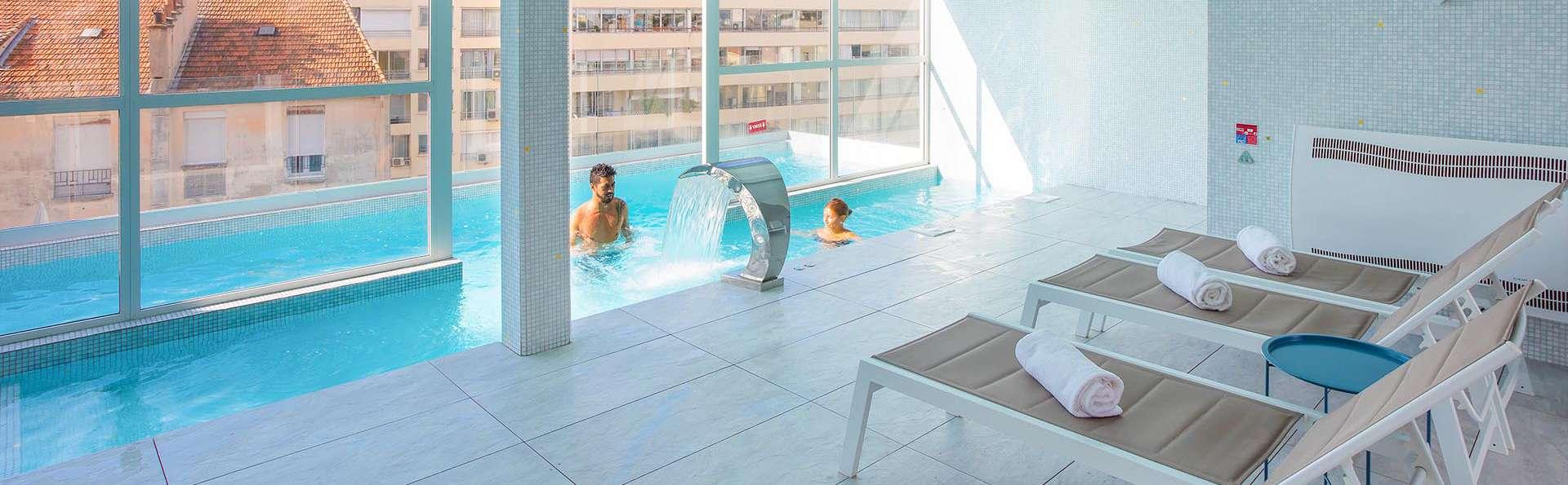 Cristal Hôtel & SPA - EDIT_POOL_03.jpg