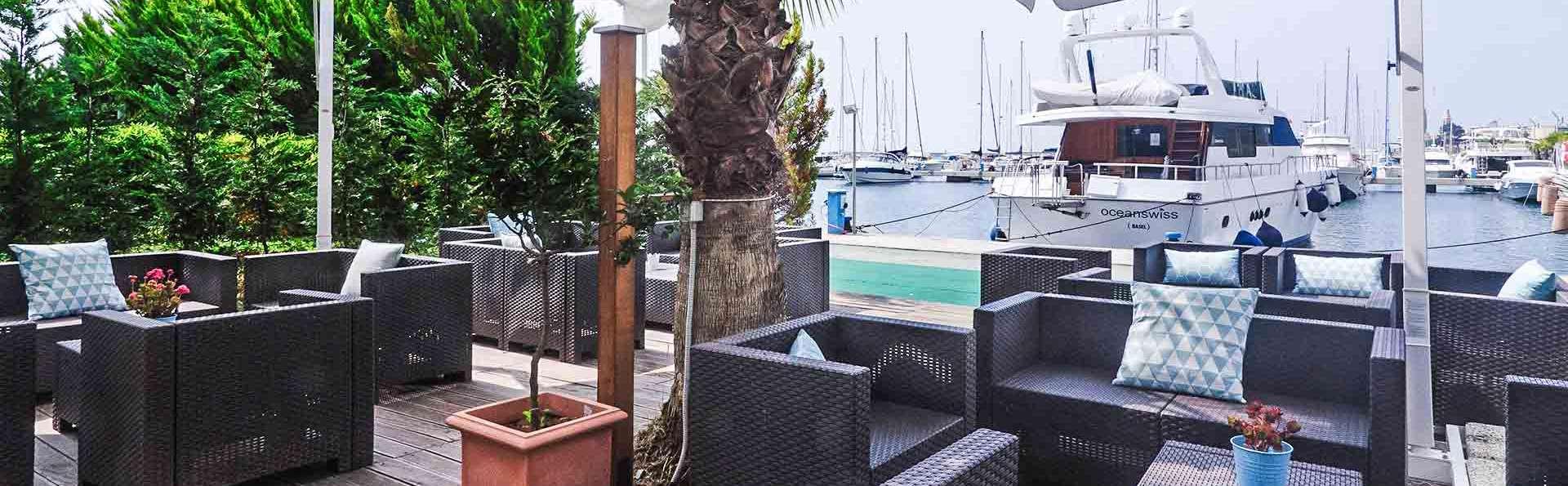 Hotel Riviera dei Fiori - EDIT_Dehor_Porto_01.jpg