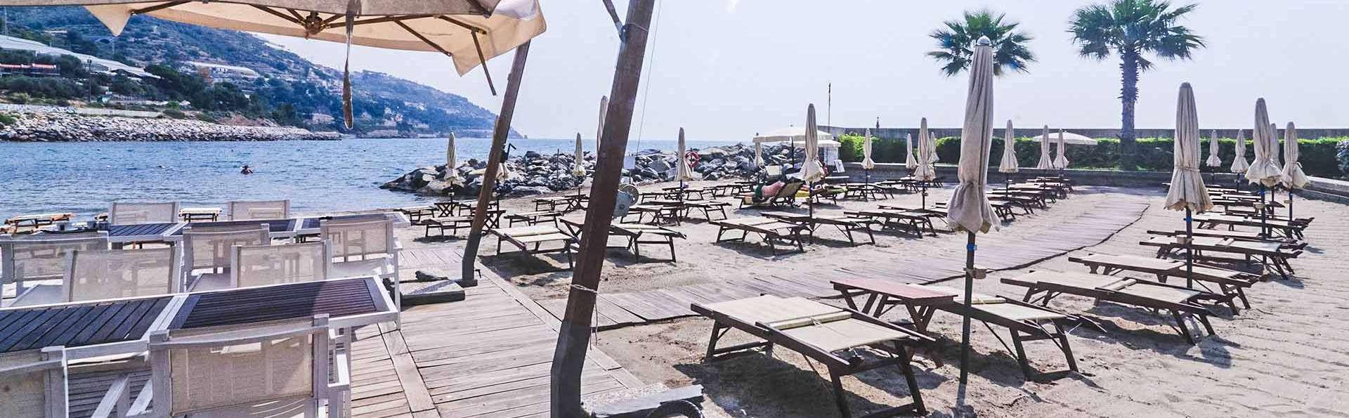 Hotel Riviera dei Fiori - EDIT_Spiaggia_01.jpg