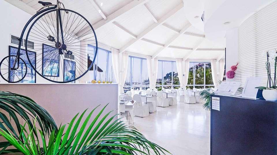 Hotel Riviera dei Fiori - EDIT_Sala_ristorante_01.jpg