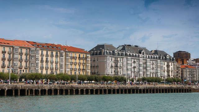 Visita Santander alojándote en un hotel céntrico con desayuno incluido