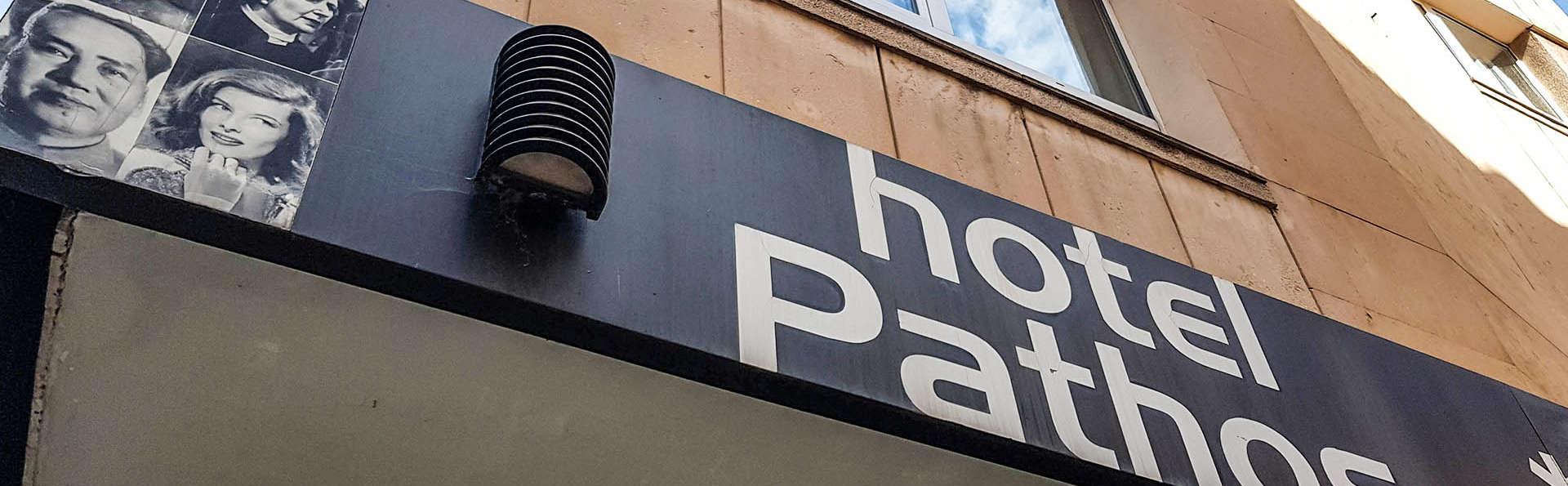 Hotel City House Pathos - EDIT_Fachada_01.jpg