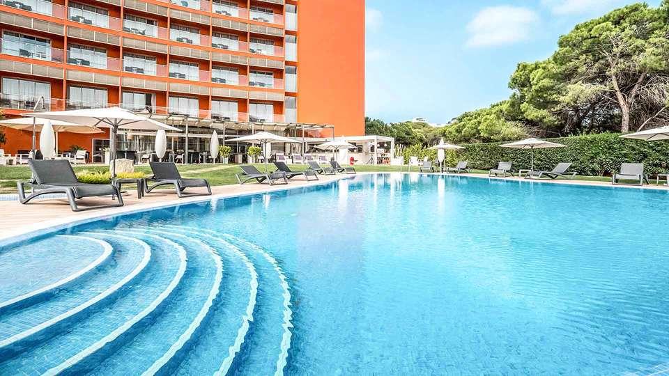 Aqua Pedra Dos Bicos Beach Hotel (Adults Only) - EDIT_Pool_area_01.jpg