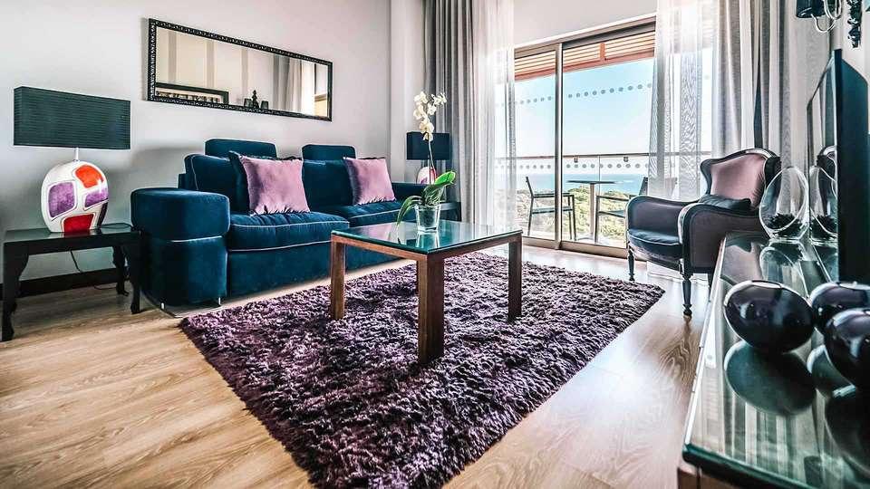 Aqua Pedra Dos Bicos Beach Hotel (Adults Only) - EDIT_Suite_Living_Room_01.jpg