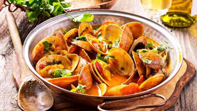 Degusta la gastronomía gallega con esta escapada cerca de Orense con cena incluida