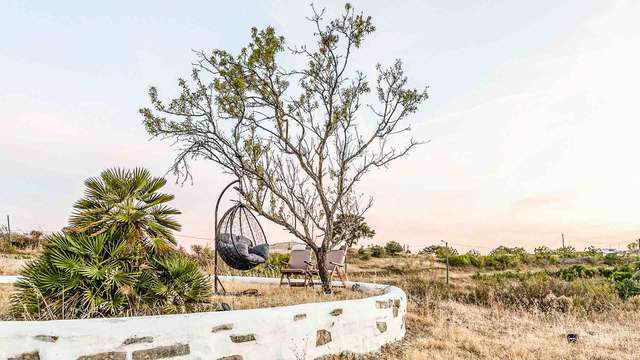 Séjour détente pour deux en suite avec jacuzzi à deux pas de Praia Verde, le paradis du romantisme