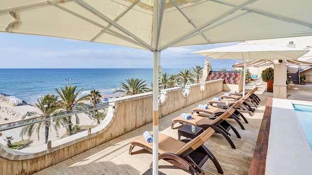 Évasion de rêve dans une chambre vue mer à Sitges