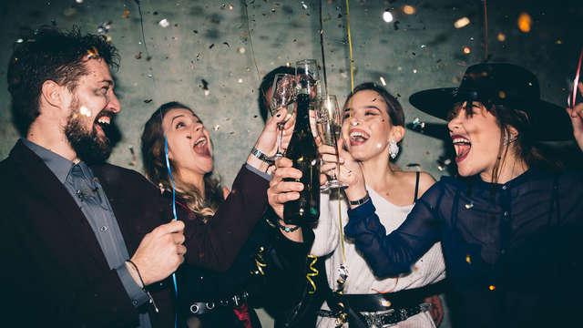 ¡¡Fin de año redondo en Caldes d'Estrac: cena de gala, cotillón, barra libre, fiesta y resopón!!