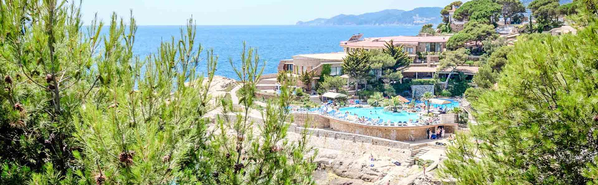 Hotel Eden Roc - EDIT_Seaside_resort_04.jpg