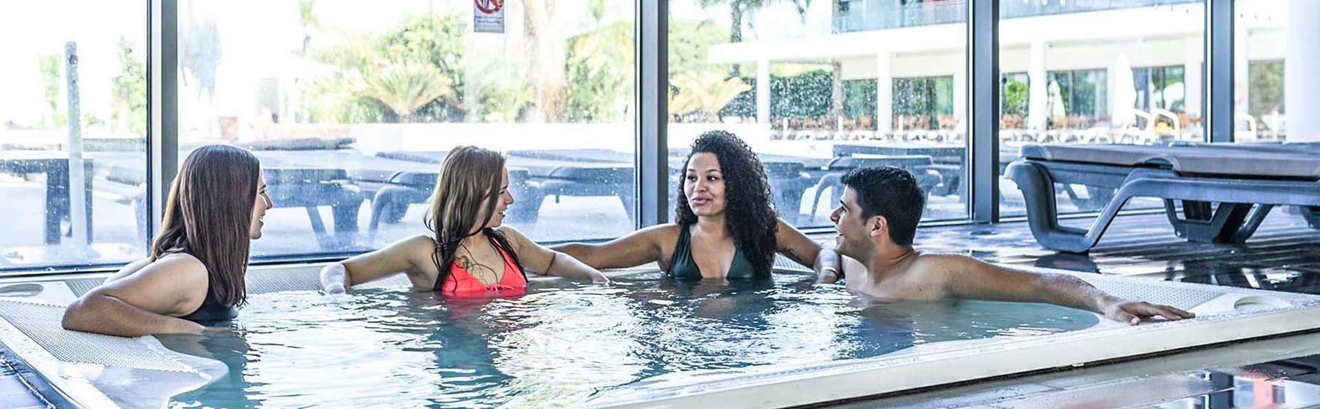 Romantisme avec spa et accès au parc aquatique à Quarteira