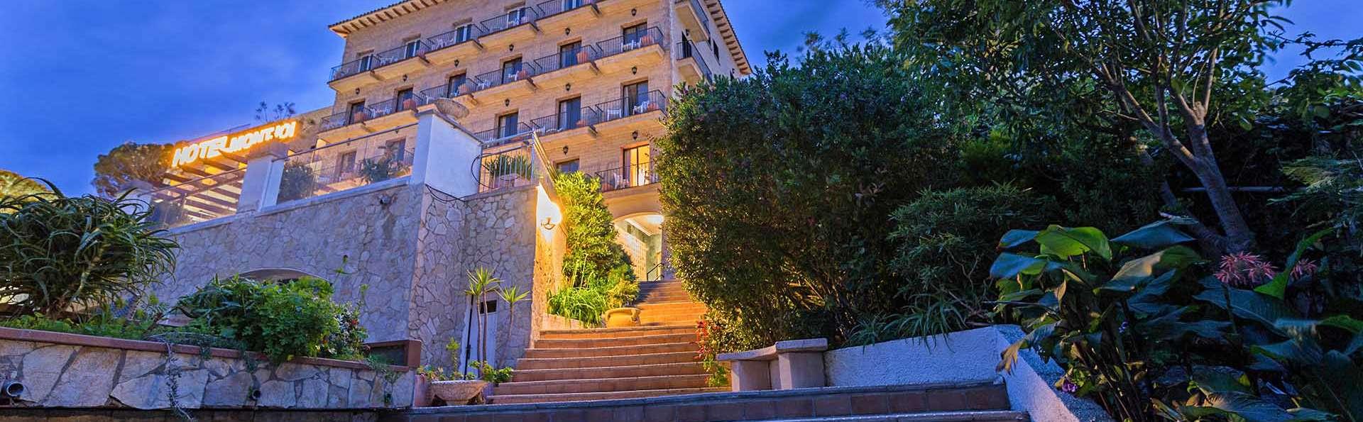 Hotel Montjoi - EDIT_EXTERIOR_02.jpg