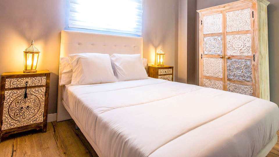 Sea & Dreams Hostel - EDIT_BEDROOM_07.jpg
