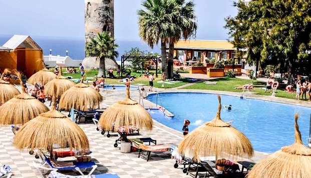 Mini-vacances d'été : escapade en pension complète à Salobreña (à partir de 3 nuits)
