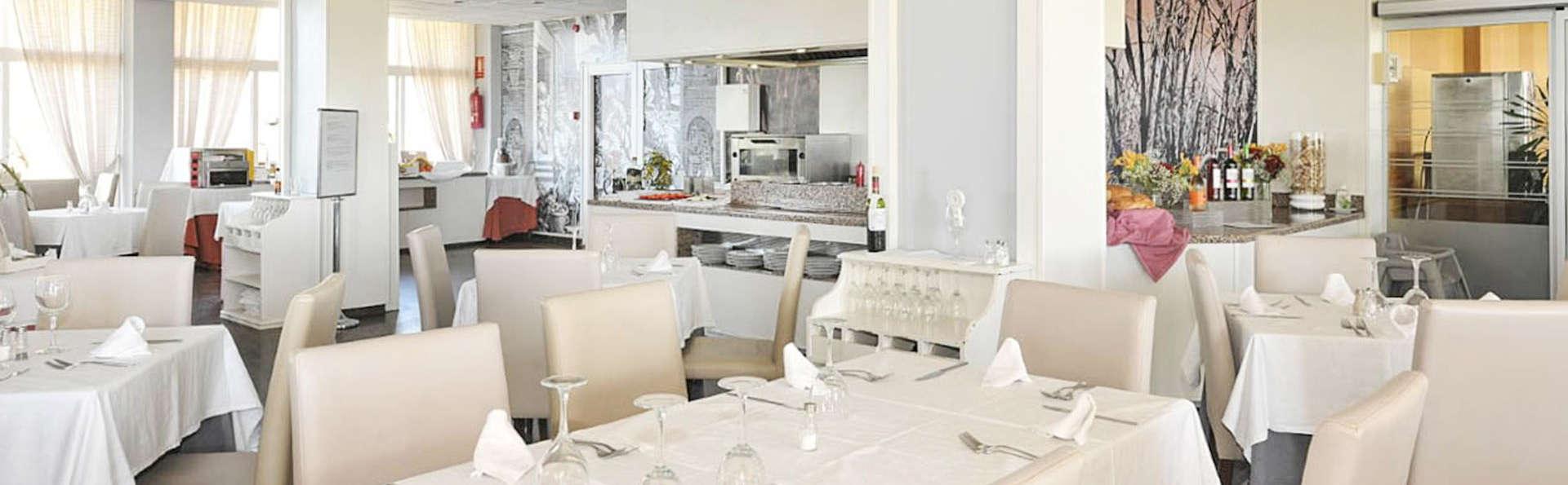 Week-end romantique avec dîner et vues sur la mer à Salobreña