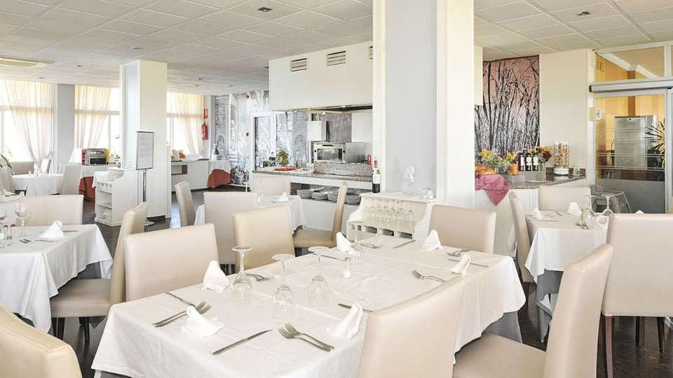 Hotel Salobreña suites - EDIT_thumbnail__RESTAURANTE_02.jpg
