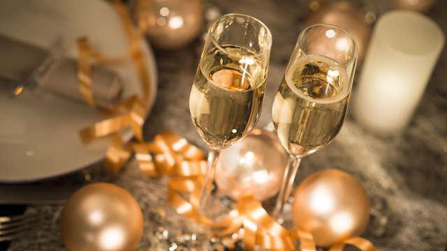 Fin de año de lujo en la encantadora ciudad de Girona, con cena, fiesta y mucho más...