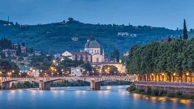 Bienestar cerca de Verona: en una villa de época de 4* en habitación superior con acceso a SPA