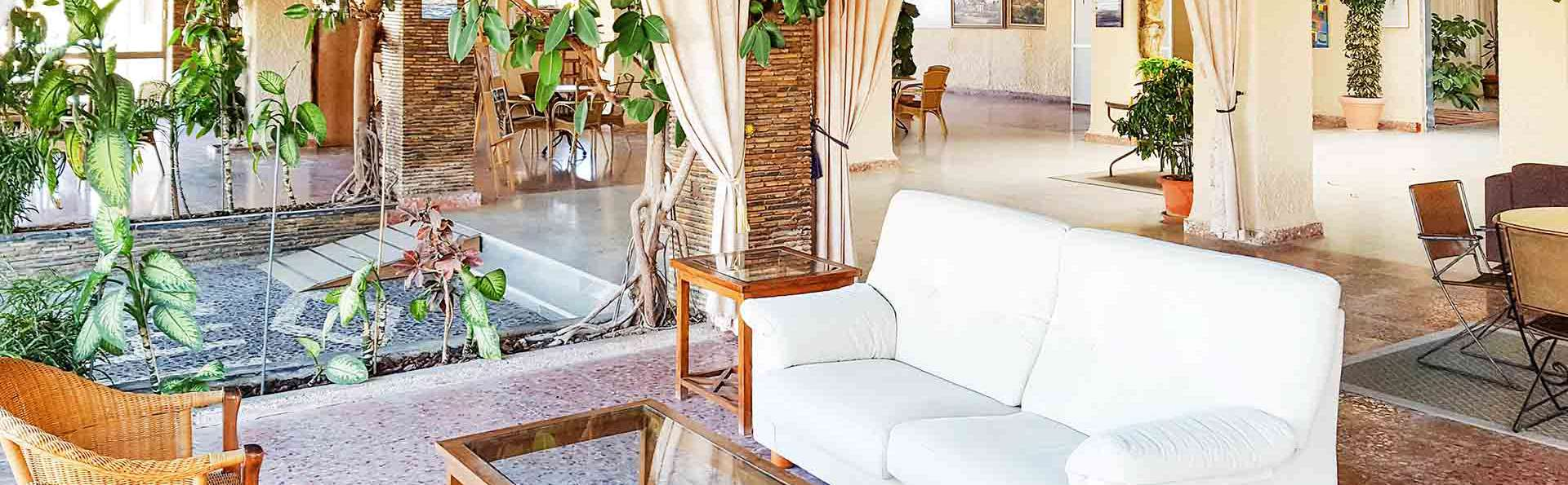 Hotel Bahía - EDIT_salon_01.jpg