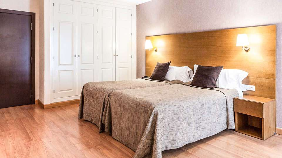 Hotel Don Paco - EDIT_habitacion_adaptada_02.jpg