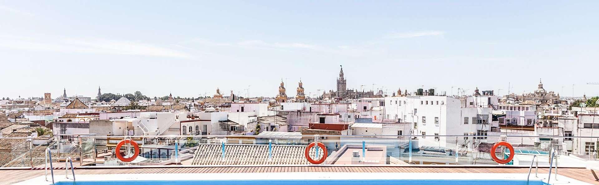 Escapada en pleno centro de Sevilla con acceso a la piscina con vistas