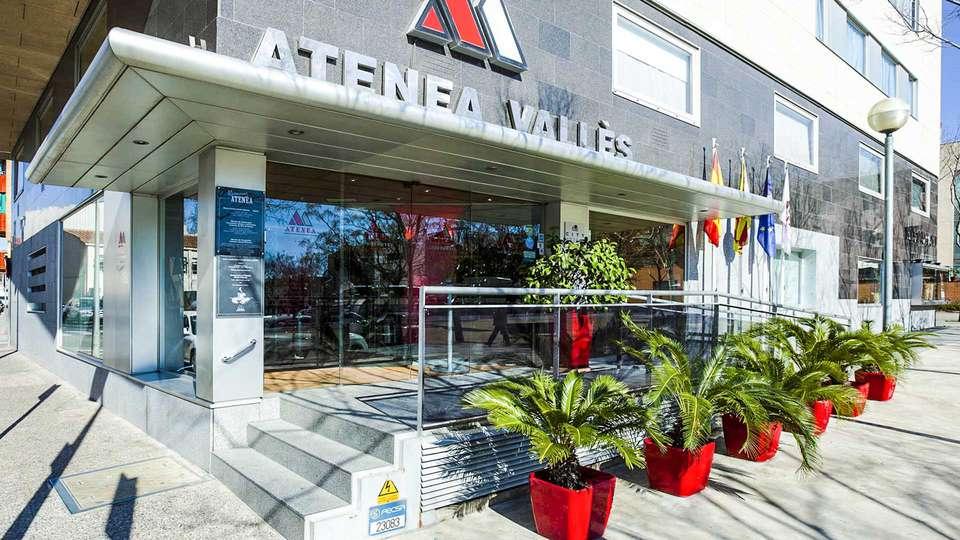 Aparthotel Atenea Valles - EDIT_entrada_hotel_01.jpg