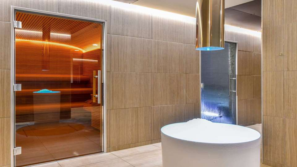 Central Park Hotel and Spa - EDIT_Spa_2.jpg
