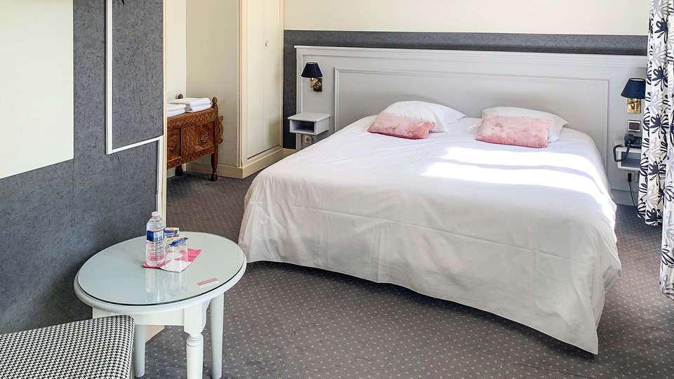 Hôtel Château Corneille - EDIT_chambre_01.jpg