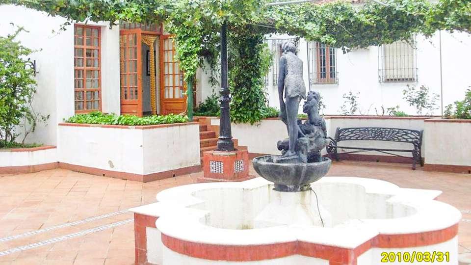 OYO Hotel Los Castaños - EDIT_EXTERIOR_02.jpg