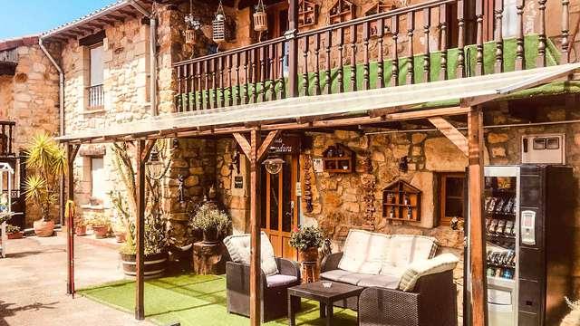¡Desconecta de la rutina en Cantabria con un toque romántico: bombones, cava y desayuno!
