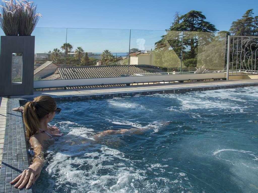 Séjour Cannes - Séjour détente absolue avec massage en duo, champagne et baignoire balnéothérapie sur votre terrasse  - 4*