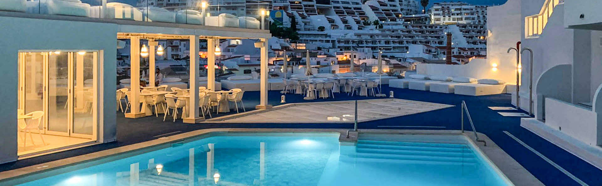 Califórnia Urban Beach Hotel - EDIT_Pool_Area_06.jpg