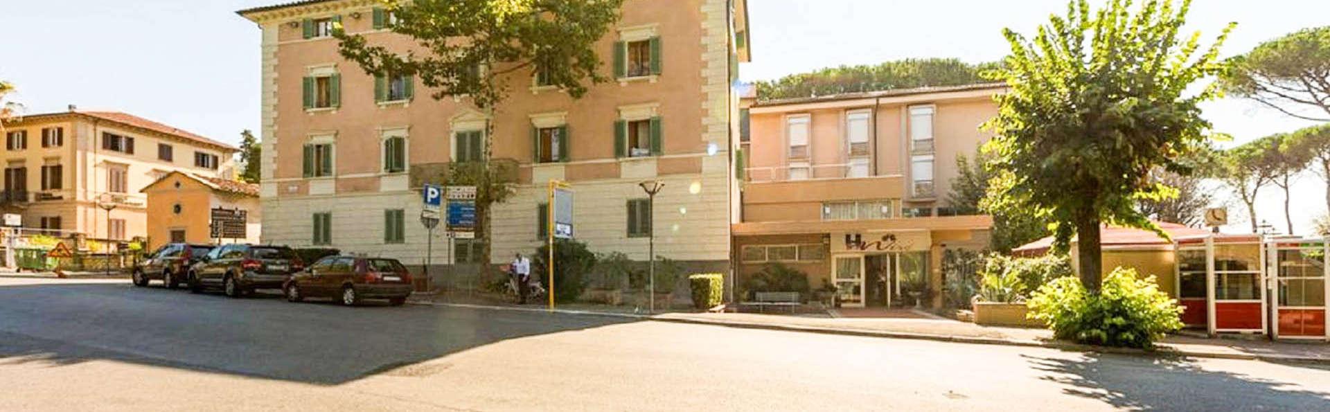 Hotel Mirò - EDIT_EXTERIOR_01.jpg
